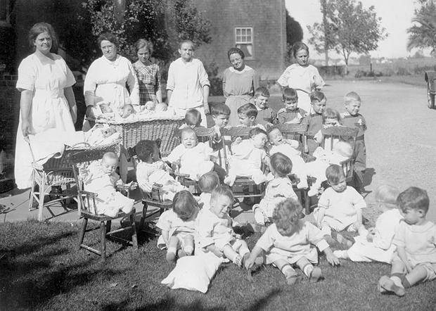 Sacramento Children's Home in 1915