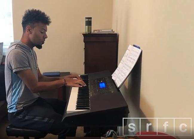 singing player